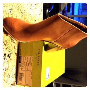 Ted Baker NIB size 39 (8) brown boots